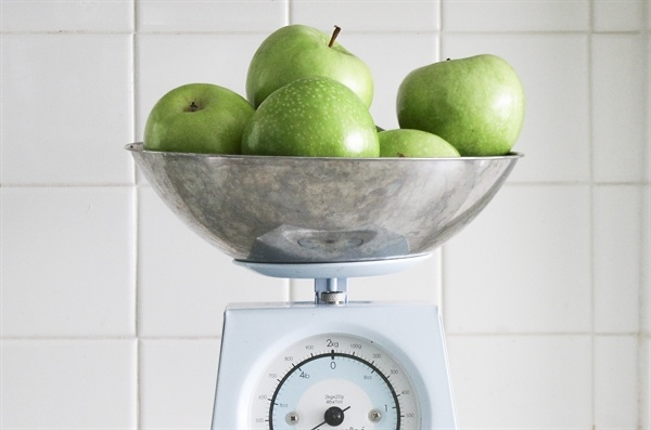 silver_bowl_green_apples